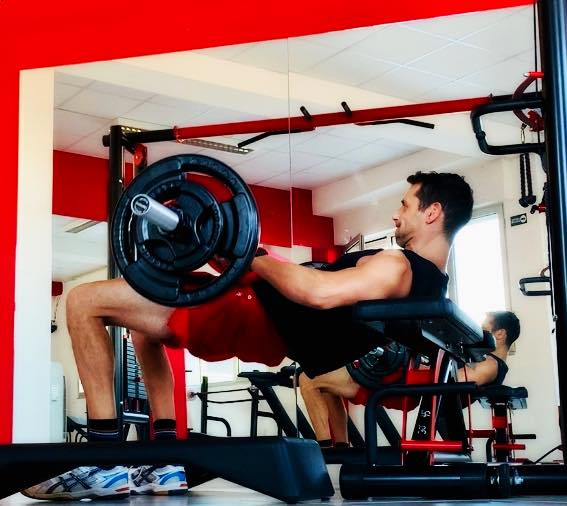 hip thrust glutei TheOne Fitness Cosenza